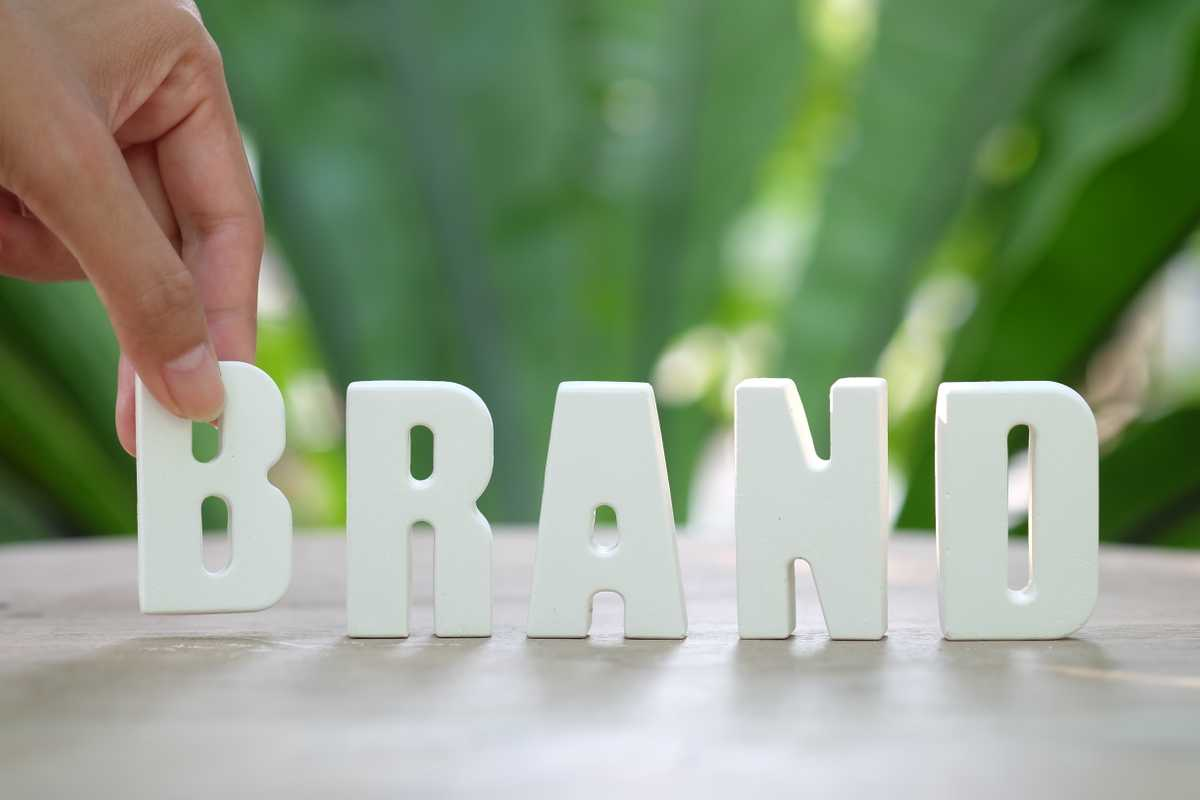 Branding can define your business. Image by zaozaa09 (Freepik).